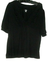 WOMEN'S BLACK DETAIL NECKLINE TOP SIZE PL - $9.00
