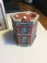 Christmas Village Home Town Heilig & Meyers 1994 - $15.83