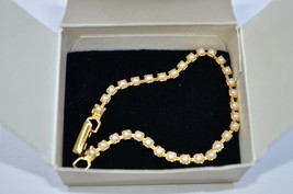 Avon Pearlesque Tennis Bracelet - Small - $13.99