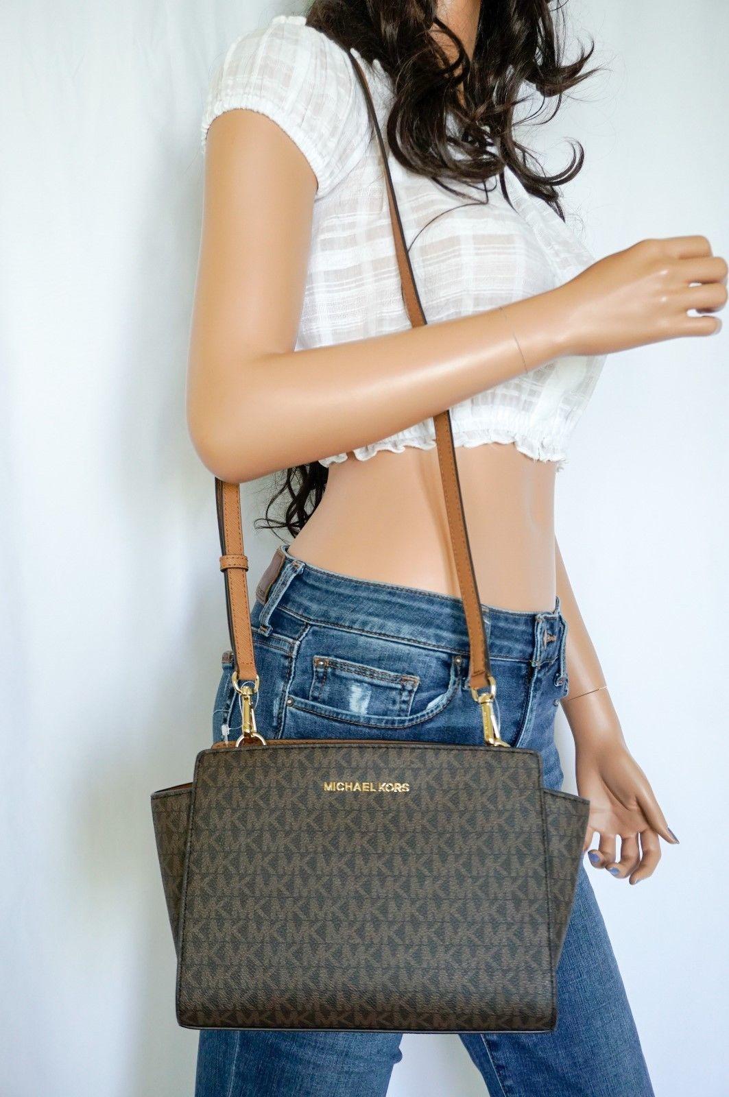a6301d9368b5c9 Nwt Michael Kors Selma Medium Messenger Bag and 29 similar items. 57