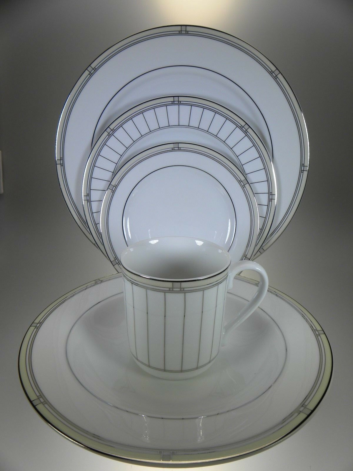 Royal Worcester Mondrian 5 Place Setting (Multiples Available)