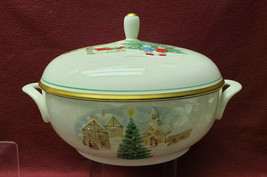 MIKASA China - MERRY CHRISTMAS Pattern - Round Covered SERVING BOWL - $134.95