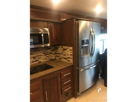 2017 COACHMEN SPORTSCOACH CROSS COUNTRY 407FW For Sale In League City, TX 77573 image 5