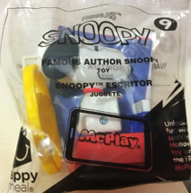 Famous Author Snoopy Peanuts Mc Donalds Happy Meal Toy #9 New - $3.84