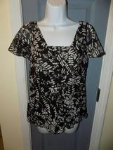 Nine West Black/White Print Flutter Sleeve Blouse Size 8P Women's EUC - $20.00
