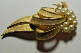 "Vintage CROWN TRIFARI Gold-tone Pearl Cluster & Rhinestone Ribbon Brooch 2.5"" - $76.50"
