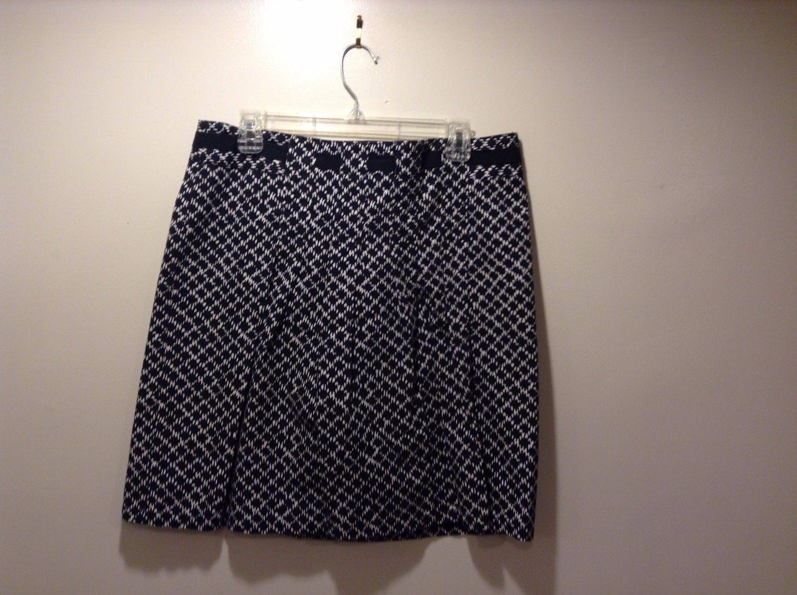 Ann Taylor LOFT Black White Short Pleated Skirt Sz 12P