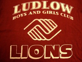 Vintage Ludlow Boys & Girls Club Lion Massachusetts Maroon T Shirt S - $15.14