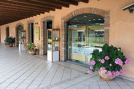 CIONDOLO CROCE ORO GIALLO BIANCO ROSA 750 18K, FINEMENTE LAVORATA, MARTELLATA image 4