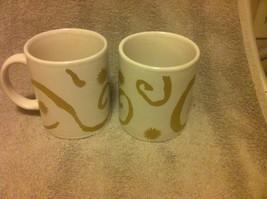 (2) OSCAR DE LA RENTA  COFFEE MUGS / CUPS--WHITE / GOLD SWIRL---FREE SHI... - $16.28