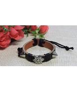 Women's Men's Adjustable Fashion Real Leather Flower Studded Bracelet Bl... - $5.44