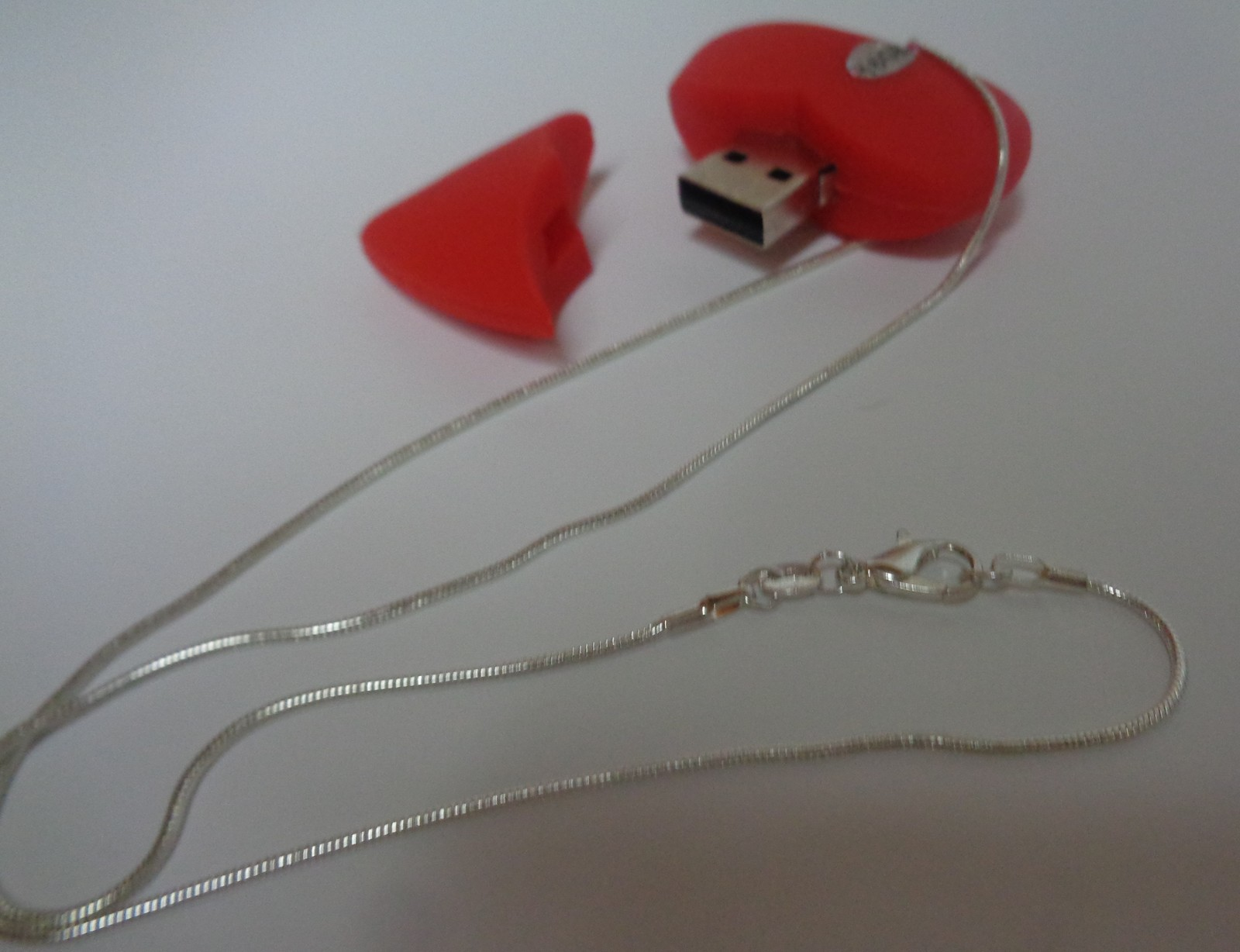 Red Heart 16GB Flash Necklace NIP 925 SS Rope Necklace Free Shipping