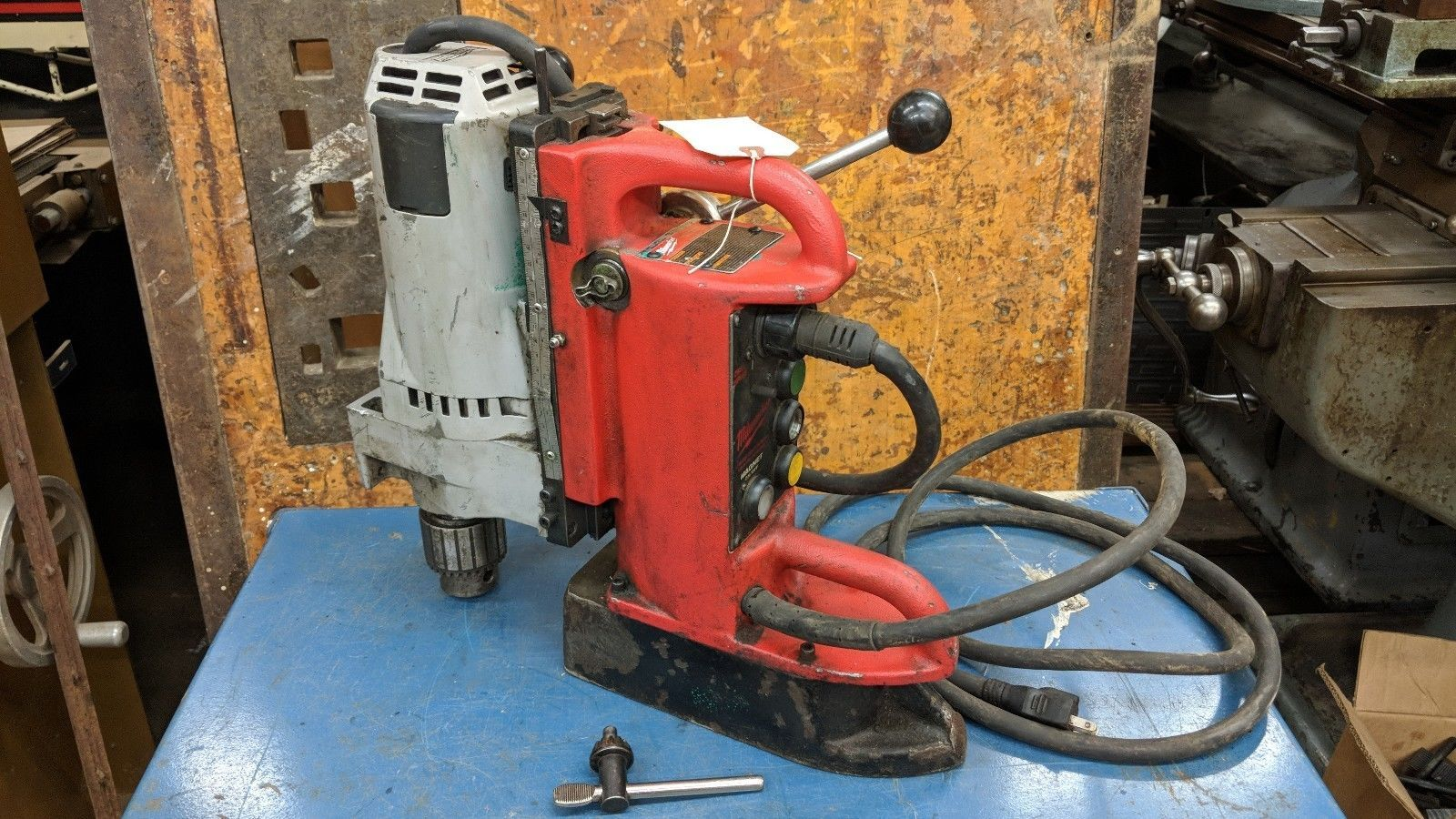 Milwaukee 4202 Electromagnetic Variable speed magnetic drill Press 4262-1 motor2