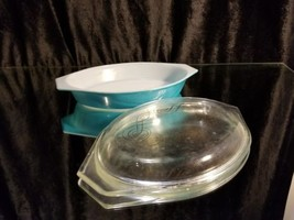 Pyrex Turquoise Covered Dish 1 1/2 qt Casserole fridge Oblong Gold Scroll Lid - $34.64