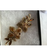 Signed MONET Vintage FLOWER BROOCH Pin Amber Rhinestones - $19.55