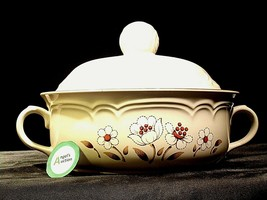 Stoneware Cumberland Mayblossom Tureen with lid by Hearthside AA-192035-G Vintag image 1