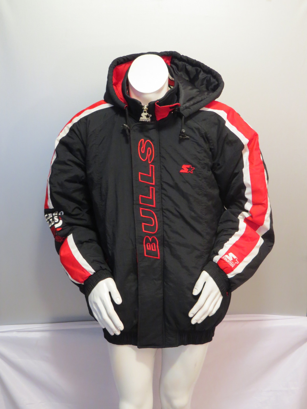 99f49bdd18e Vintage Chicago Bulls Jacket - Puffy Parka and 50 similar items. Img 1240