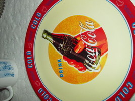 """Gibson Drink Coca Cola 2002 Delicious & Refreshing Cold Plastic Plate 10 1/2"""" - $25.00"""