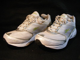 Men's Reebok DMX Max White Running/Athletic Shoes Size 6 Lightly Worn - $9.94