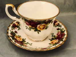 Royal Albert Porcelain Bone China Tea Cup Yellow Red Roses Old Country Roses - $21.29