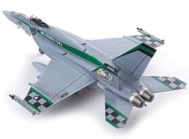 Academy 12565 1:72 USN US Navy F/A-18E VFA-195 Chippy Ho Plamodel Plastic Hobby
