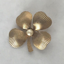 Vintage Jewelry Signed Coro Gold Tone Faux Pearl Four Leaf Clover Brooch... - $14.39