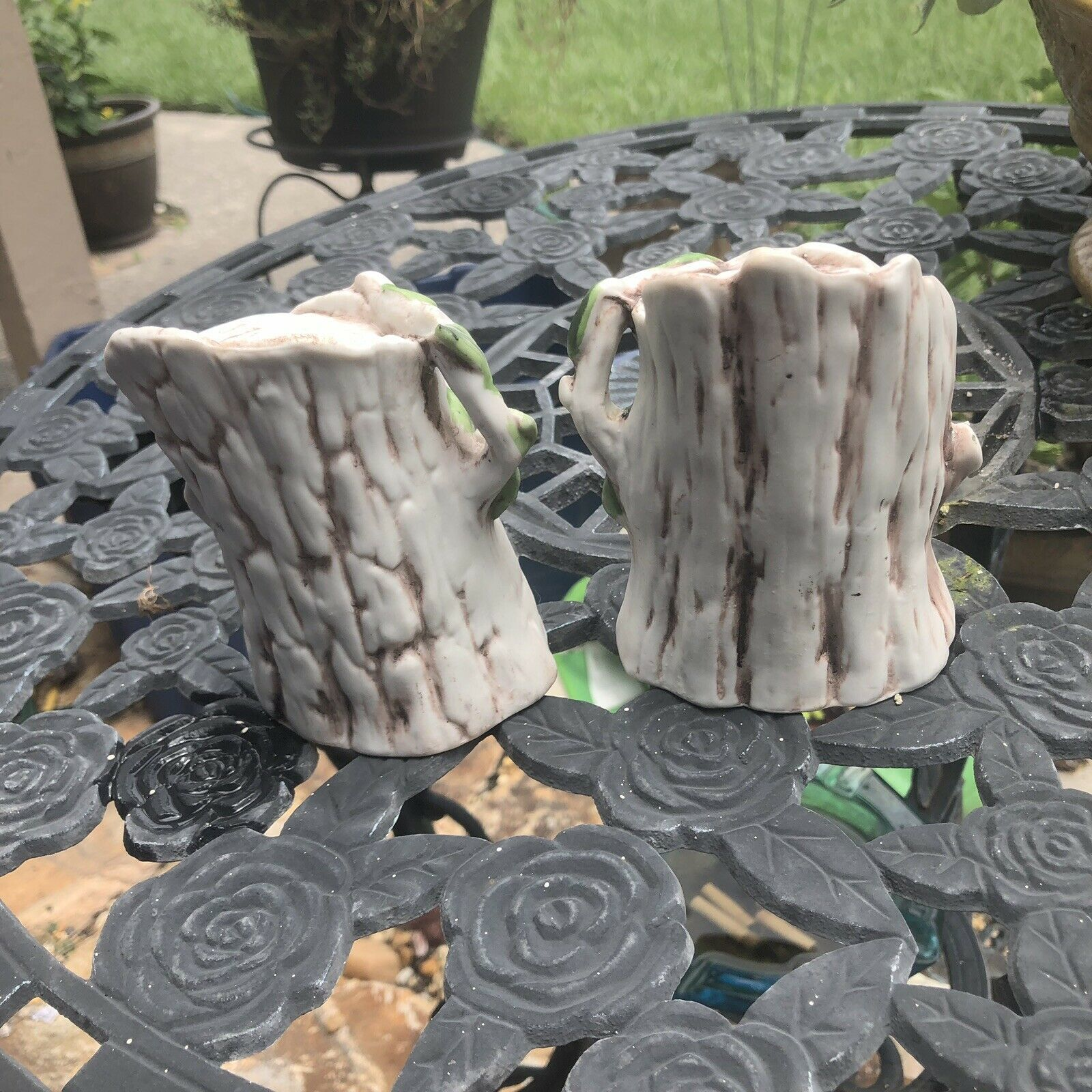 Vintage Owl Family-Mom, Dad And Owlets in Tree Trunks Ceramic Matching Set Of 2 image 4