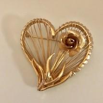 BROOKS GOLD TONE HEART PIN W/FLOWER & OPEN SLAT DESIGN J0371 - $9.49