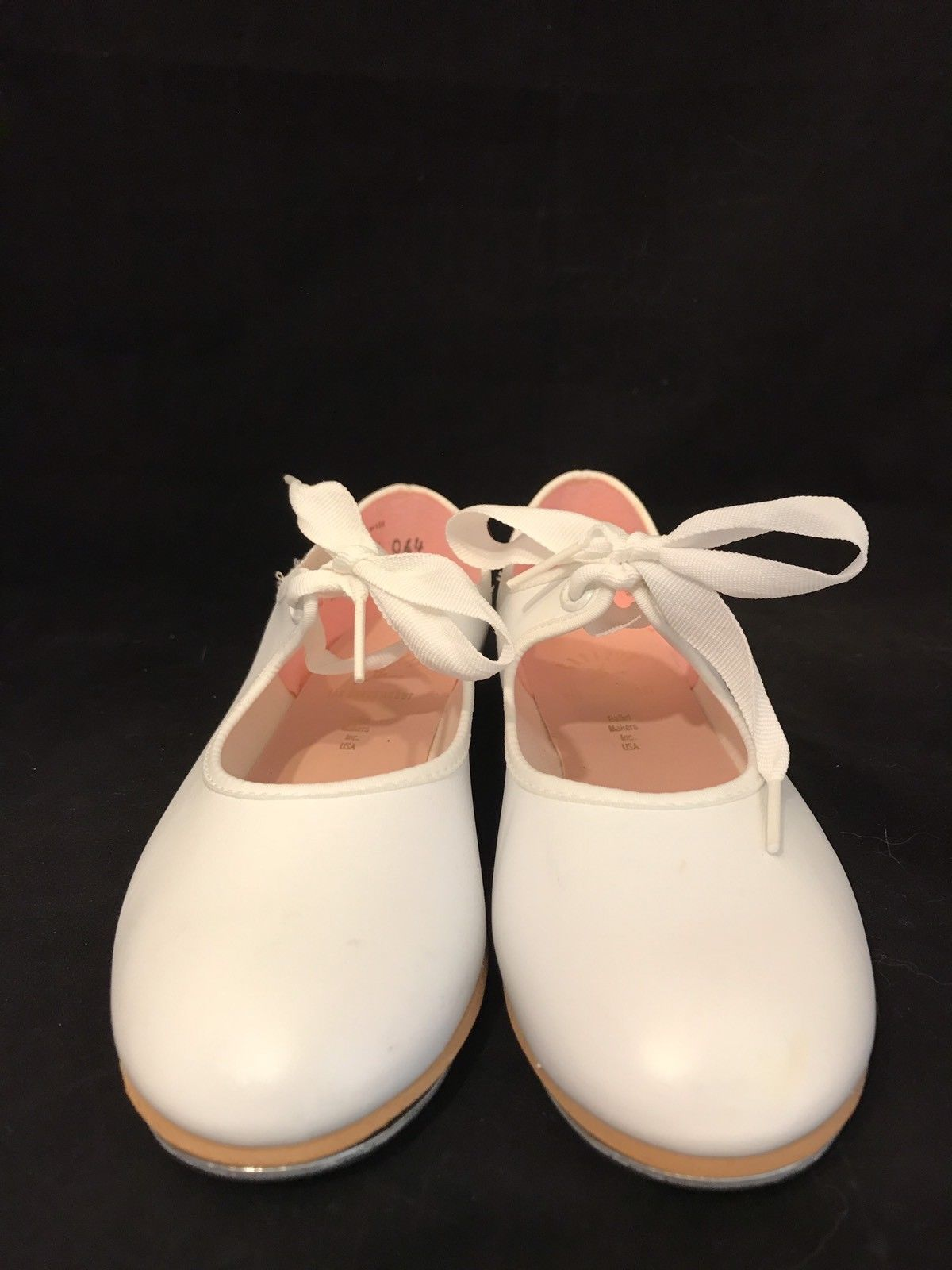 CAPEZIO Womens White Mary Janes Tap Dance Shoes Size 1.5 W Dance Makers Inc New