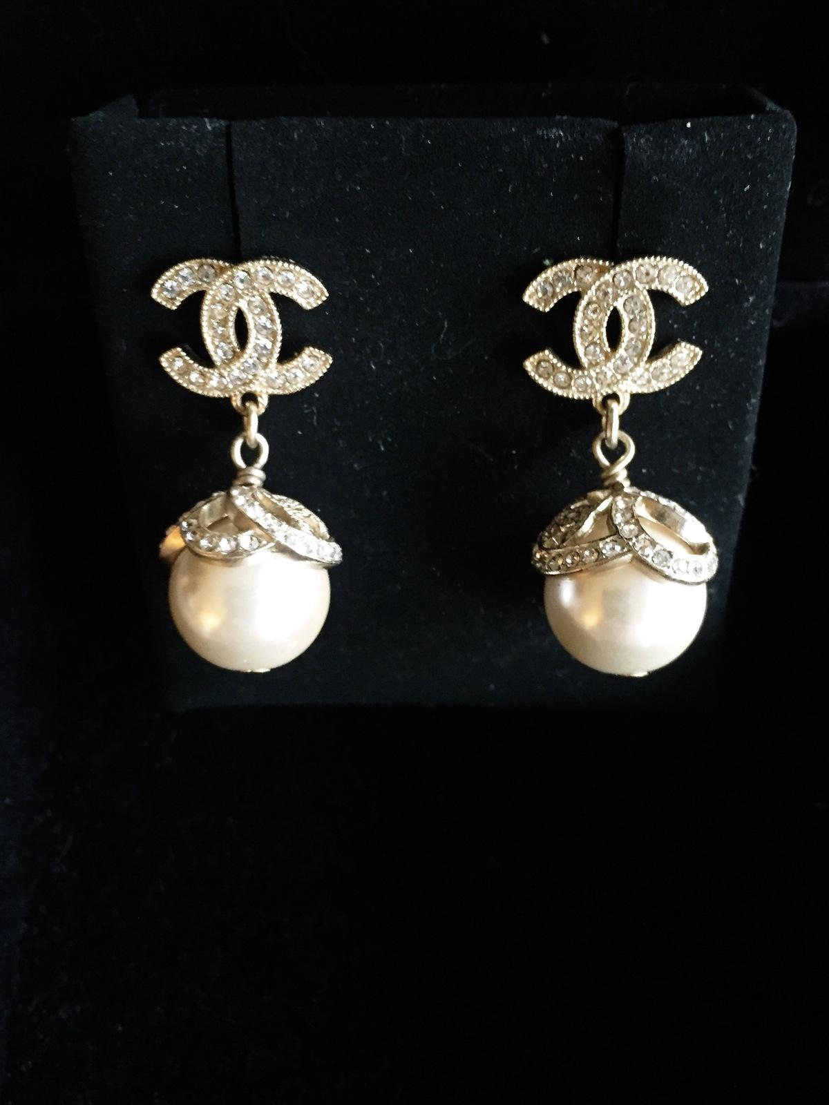 unique diamond chanel logo earrings jewellry�s website