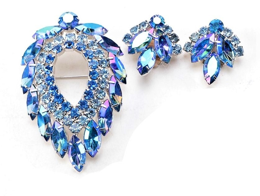 Primary image for D & E for Sarah Coventry Blue Lagoon Brooch & Earrings Navette Aurora Rhinestone