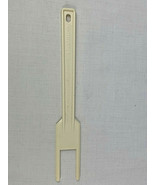 OEM White Cuisinart Food Processor Spatula / Blade Reamer from Japan - $4.95