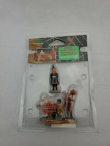 Lemax spooky town coll. haunted house visitors 2000 #22601AM new retired 2007 - $24.99