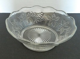 Anchor Hocking Bowl Raised Grape and Vine Design Scalloped Edge Starburs... - $16.71