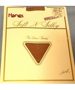 Hanes Pantyhose Size A Nude Sandlefoot Barely There Irregular New in Pkg - $7.92