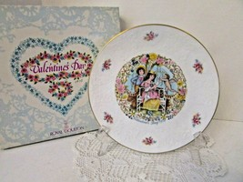 Royal Doulton Bone China Collector Plate Valentine's Day 1978 England Boxed - $14.80