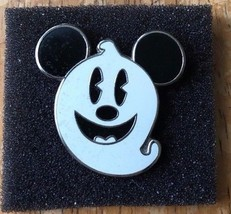 Disney Parks Mickey Mouse Smiling Ghost Pin Trading Collectible - £6.14 GBP