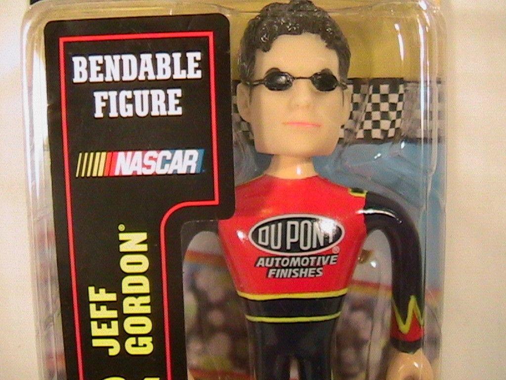 "[N15]  #24 JEFF GORDON 5""  BENDABLE FIGURE WITH HELMET Bobble Dobbles 2003"