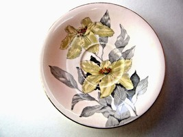 Windsor Bone China Saucer Yellow Flower Gray Leaves Poinsettia Made in E... - $4.90