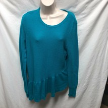 Elle Womens Sz M Teal Blue Ribbed Long Sleeve Sweater Assymetrical hem - $9.94