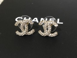 AUTHENTIC CHANEL GOLD RARE CC LOGO CRYSTAL STUD EARRINGS MINT image 4