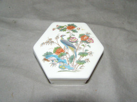 Wedgwood Bone China Kutani Crane 6 Sided Trinket Box Made in England - $17.82