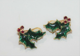Vintage Earrings Clip On Christmas Holly Berrie Red Green - $15.47