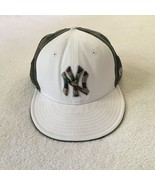 New York Yankees Hat New Era White and Camo Size 8 64 CM 59FIFTY - $13.72