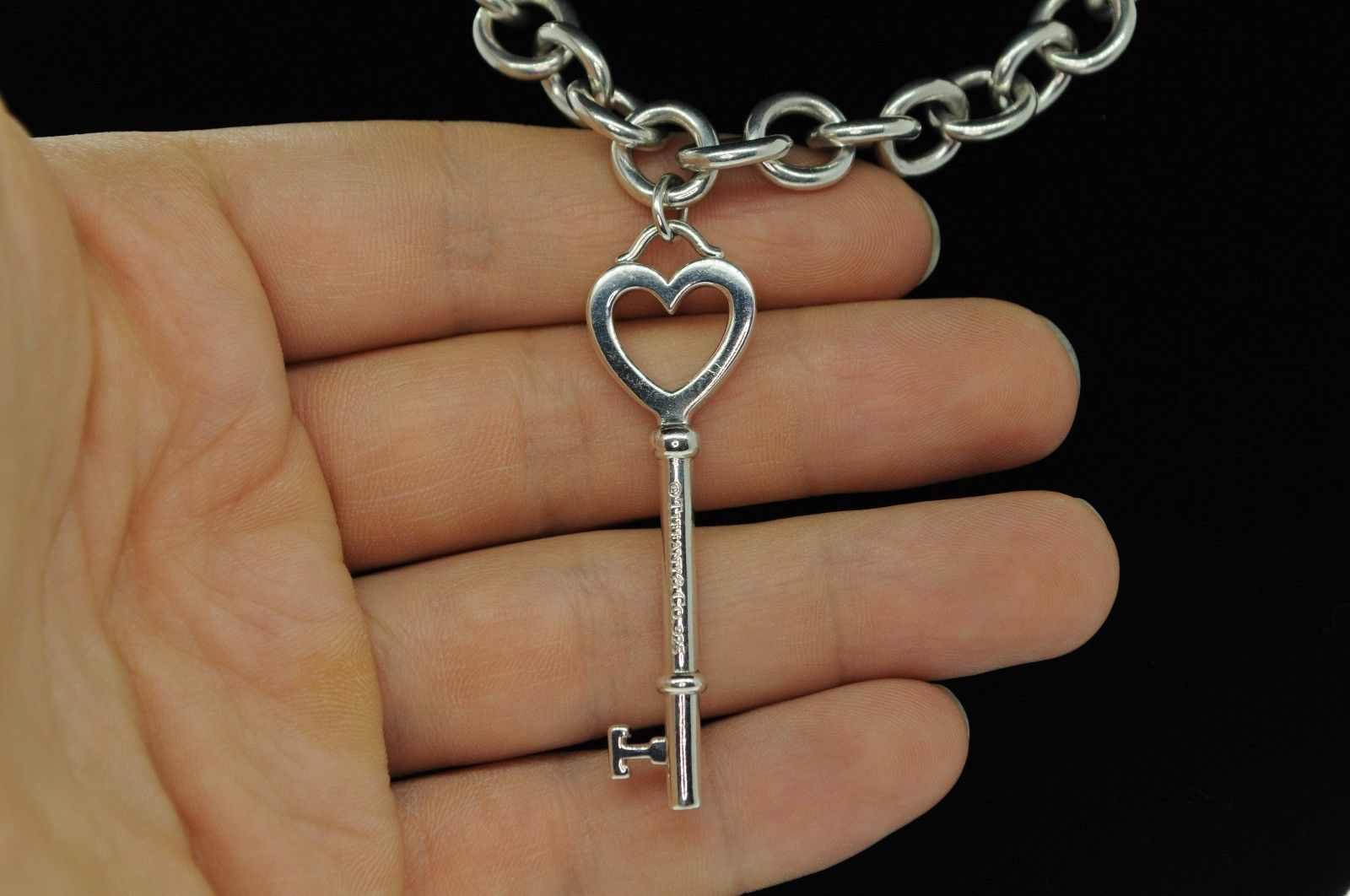"""TIFFANY & CO. Sterling Silver Large Heart Key on Heavy Link Chain (19"""")"""