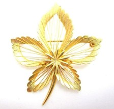 Amazing Vintage Gold Toned Leaf Design Wire Work Small Flower Brooch Pin... - $11.88