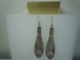 Oneida La Vigne 1908 Earrings Silverplate - $44.54