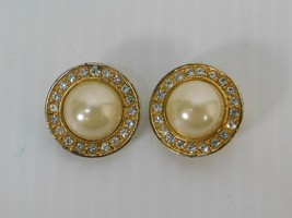 Vintage Roman Women's Clip Earrings Rhinestone and Faux Pearl Gold tone ... - $12.86