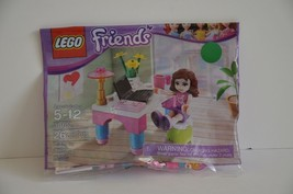 Lego Friends 30102 Olivia's Desk with minifigure Ages 5 - 12 with 26 Pieces - $1.49