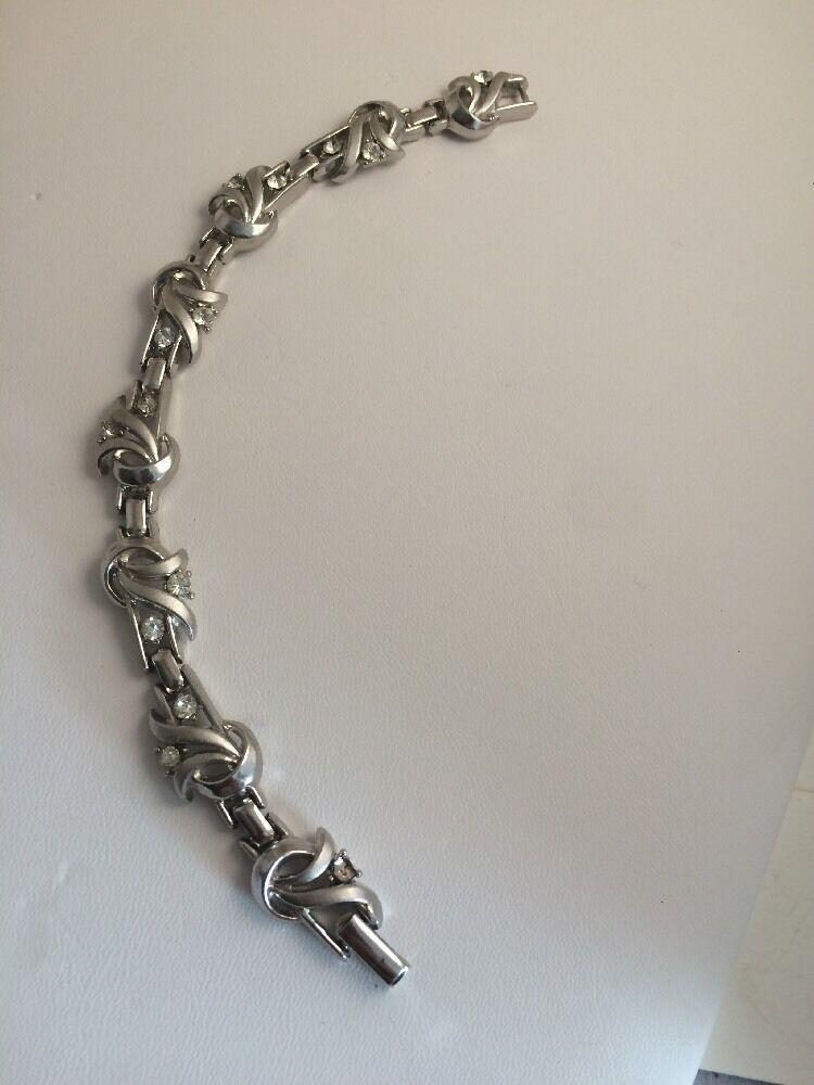 Vintage CROWN TRIFARI RHINESTONE Bracelet Clip Earrings Demi Parure Tag